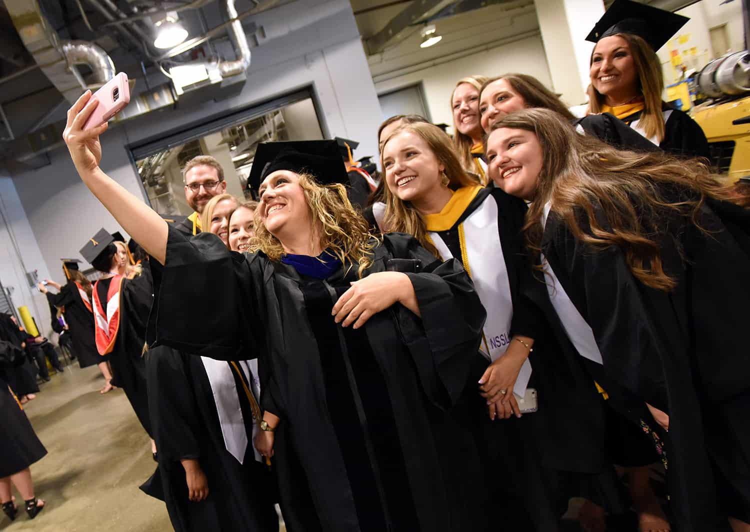 Uams Graduates 942 New Health Care Professionals Uams News