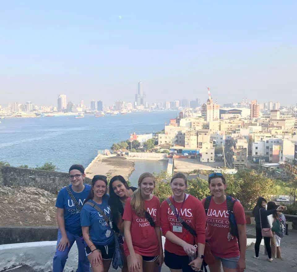 Uams Nursing Pharmacy Students Go Abroad Over Holiday Break Uams News