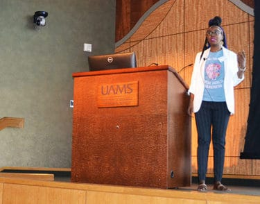 Shamonica Wiggins discussed her experience with sickle cell disease and how psychological therapy helped her to cope better with it.