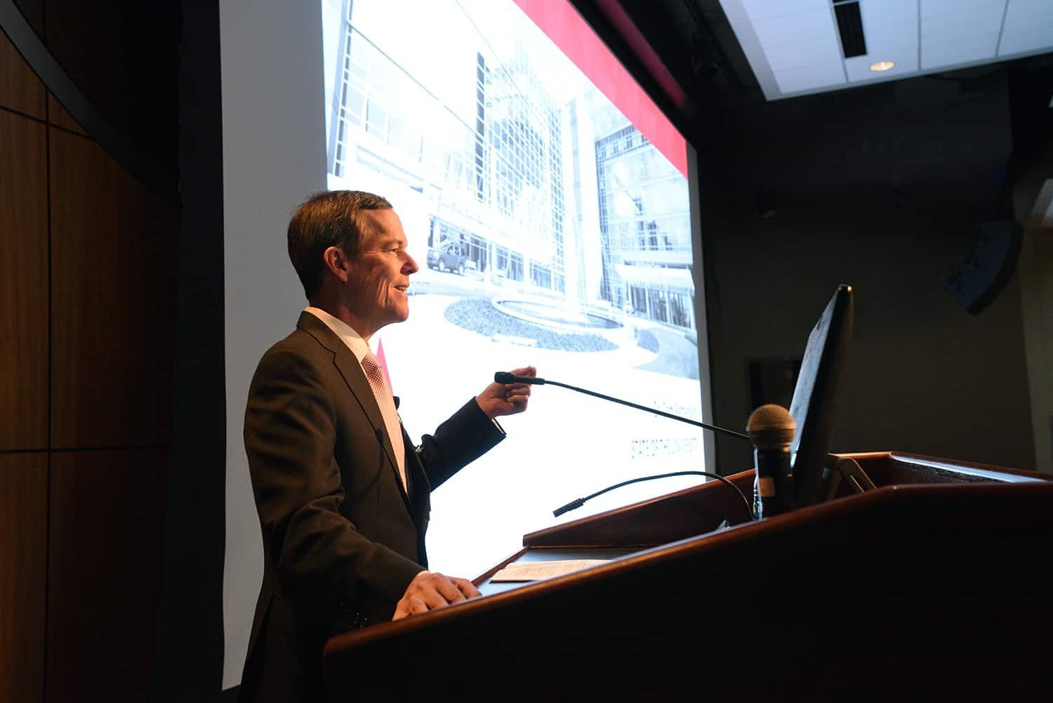 Chancellor Cam Patterson, M.D., MBA, addresses employees during his first State of the University presentation. Patterson said he is committed to ensuring every UAMS employee is paid a living wage.