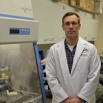 UAMS Graduate School student has received a fellowship from the National Cancer Institute to support his melanoma research.