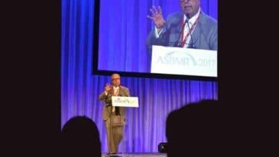 Dr. Manolagas at podium