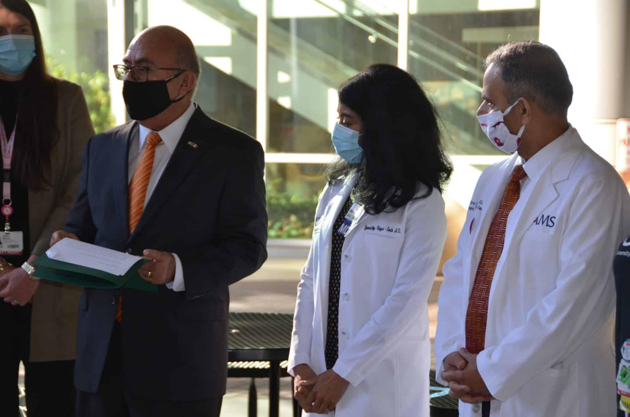 consul of Mexico honors Mammovan