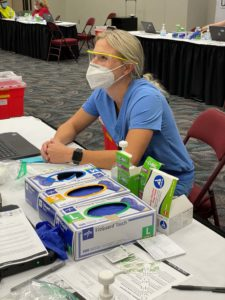 Helena Drolshagen, a third-year medical student, was one of several volunteers at the clinic.